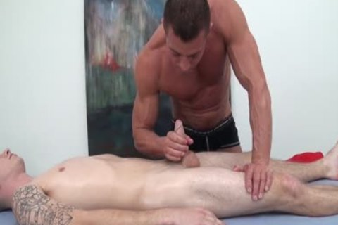 HD GayRoom - Travis receives Massaged By Tyler Saint