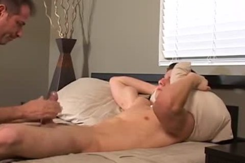 pretty twink receives penis Sucked