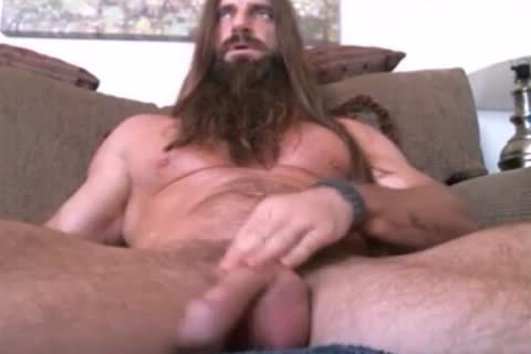 long Haired And Bearded Muscle chap Solo