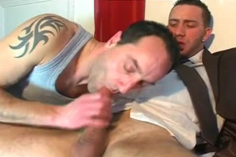 Full video: A blameless Vendor acquires Serviced His giant 10-Pounder By A twink!
