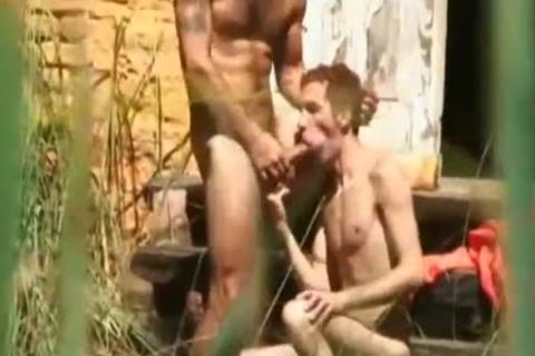 brunette lad Takes A monstrous penis In His ass After Jail Escape