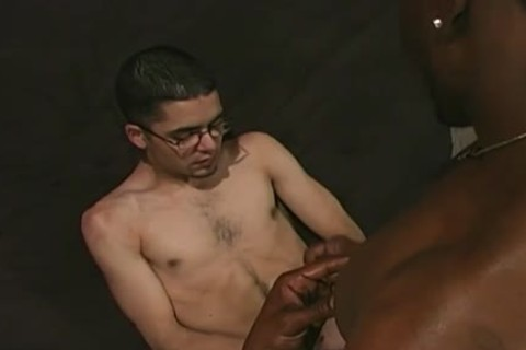 White guy Gargling Off Charcoal cocks At Gloryhole