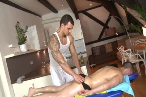 Muscle Daddy ass-copulation And Massage