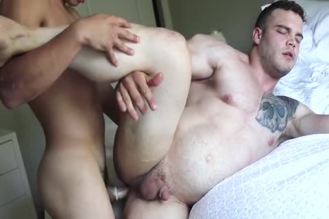Two Hunks bang Each Other