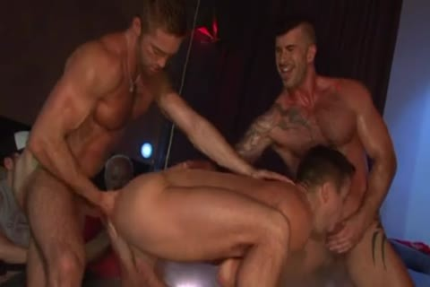 Stripshow Porn DP pound On Stage