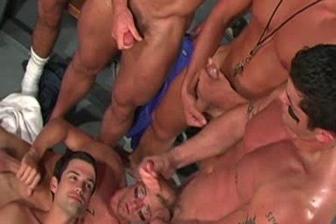Gridiron bunch group-sex