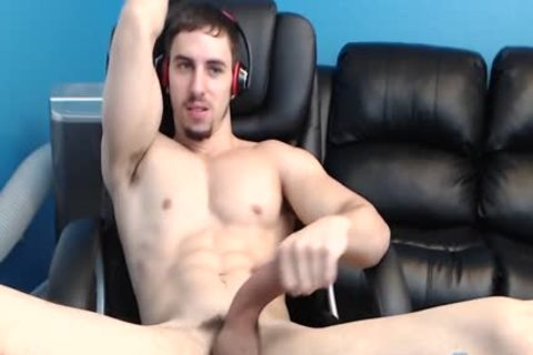 muscular Hunk shoots massive Loads In His Own mouth