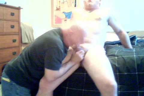 heavy Bear gets oral pleasure-job from grand-dad