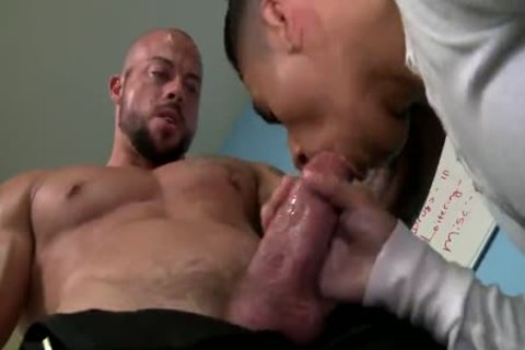 LATINO naughtytie TAKES SECURITY dadDY'S humongous 10-Pounder