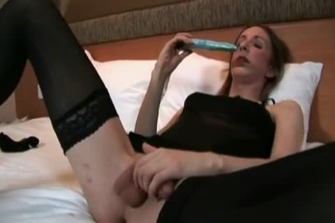 pretty Sissygirl Plays And Cums