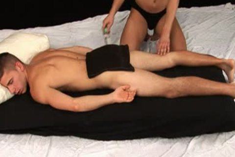 Paco Mlaticka gets Massage