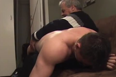 Hunk With Bubble butthole acquires A spanking