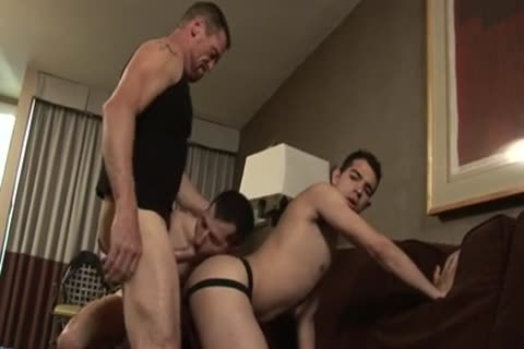 Hung chap bonks Two hookers