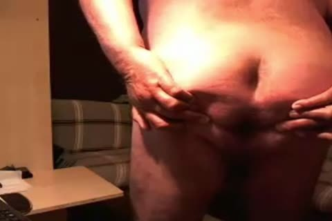 old man Show And Play On web camera