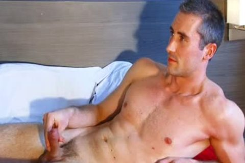 Full video: A innocent straight dude Serviced His large penis By A dude.