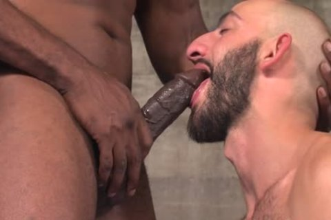 Muscled man Cums Bbc