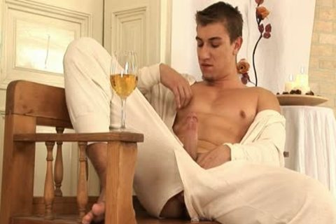 This handsome homosexual chap Comes Home And Drinks Some Wine previous to His Has A Sensual Self Devotion Session