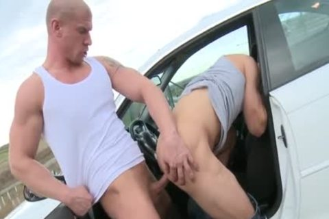 Muscle Daddy booty stab With cumshot