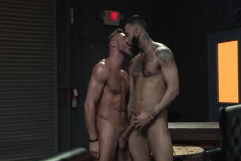 Muscle Bear ass job And ejaculation