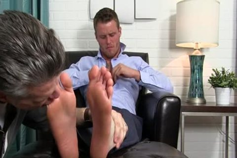 Muscle gay Foot With ball batter flow