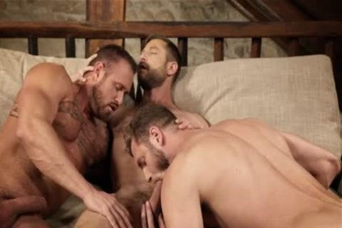Muscle gay 3some With Creampie