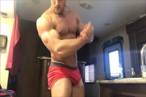 juvenile cocky Bodybuilder Acts Exactly Like I Do