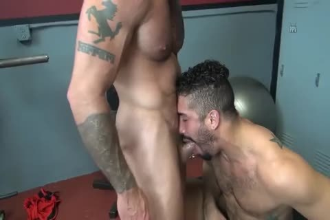 Little Homo fuckfest With BBC In Locker Room By 666Kronos666