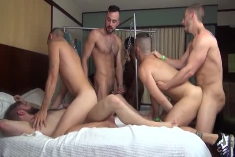 charming pounding Party