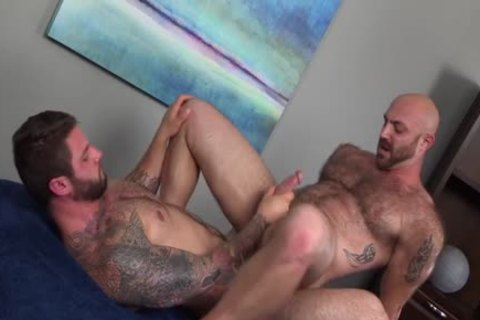 Muscled shaggy man receives A throbbing rod In His wazoo {Ronin & Tatum Parks}