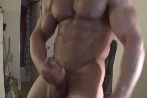 Muscle Hunk Robin Jacks On webcam