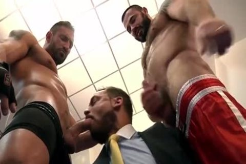 Muscle Bears nail Hard