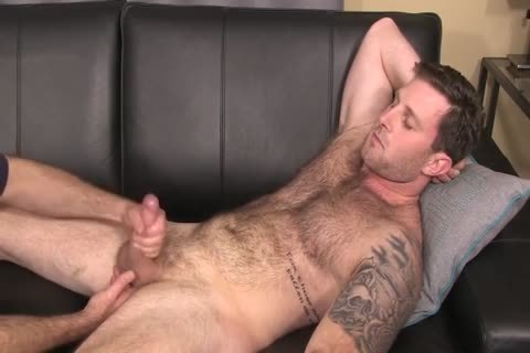 bushy Hunk With fat 10-Pounder Full Service