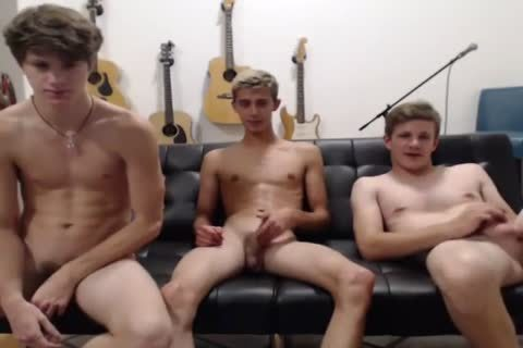 Three horny twinks With big dongs!