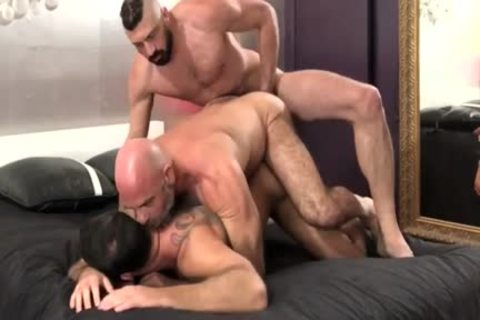 immodest 3some nail